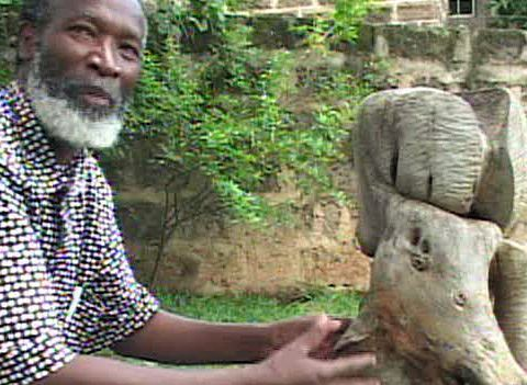 Elkana Ongesa, veteran Kenyan sculptor at visual arts mentorship at Nairobi Gallery