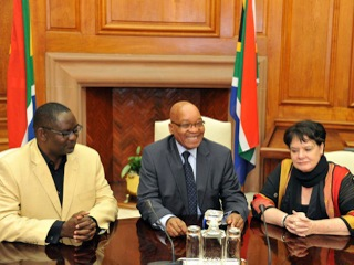 South Africa President Jacob Zuma, South Africa Trade Unions General Secretary Zwelizima Vavi, and ITUC General Secretary Sharan Burrow discuss development and employment before a summit in South Africa