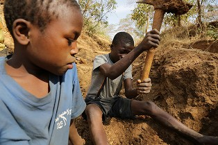 Child Gold Miners in Tanzania Exposed to Hazardous Life