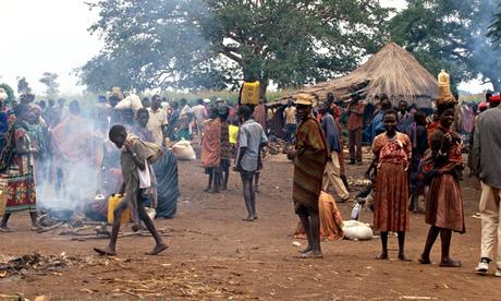 MDG : Karamojong villagers in Karamoja, Uganda.