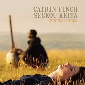 Welsh harpist Catrin Finch with senegalese seckou keita