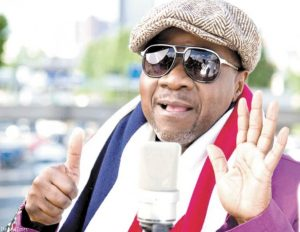 Jules ShiunguCongolese musician Papa Wemba ( Wembedio Pene Kikumba) led a cult of youth known as Le Sapeur who pride is elegant westrn clothes and perfumes