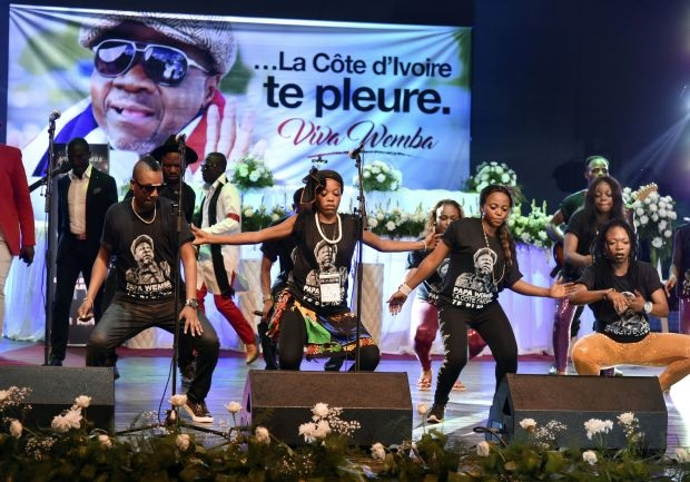 Musicians in Abidjan pay tribute to Wemba in an all -night performance