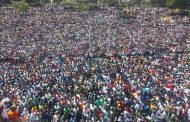 Kenya Shuts Down TV and Radio Transmission as Crowds Throng Nairobi Park